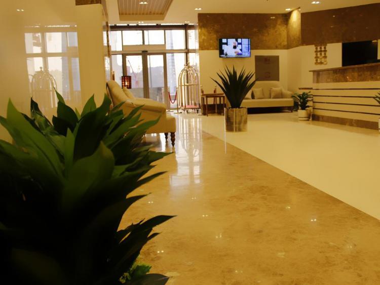Lamar Hotel B