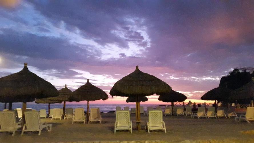 Hotel Baja Montanita Beach Resort