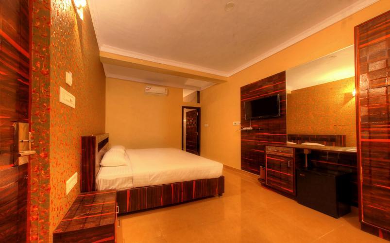 WAW 7708 MK Jungle Theme Resorts