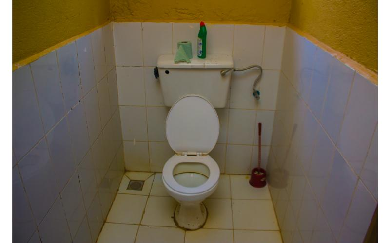 Kwezi Apartments