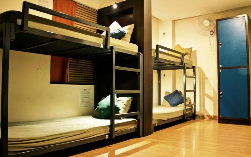 Bed in 6 Bed AC Mixed Dormitory Room with En-suite Bathroom